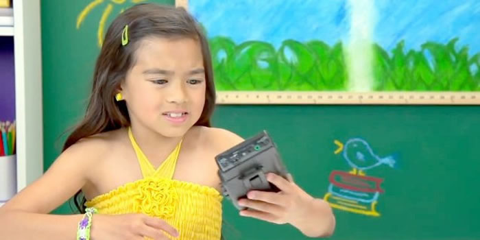 Kids Get Given A Walkman And Have No Idea What It Is - Video