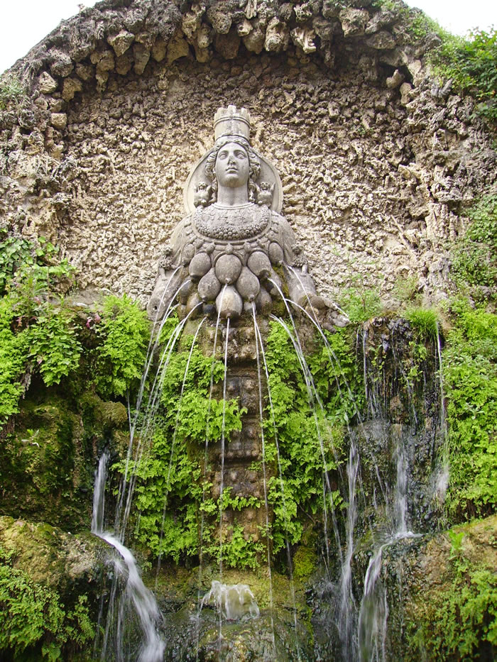 When In Rome You Must Visit Tivoli Fountains 9