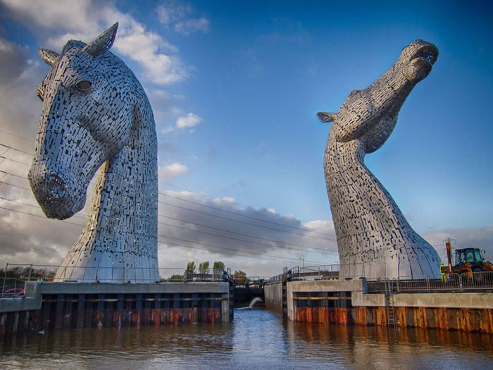 You'll Be Amazed By Scotland's New Giant Horse Head Sculptures 2