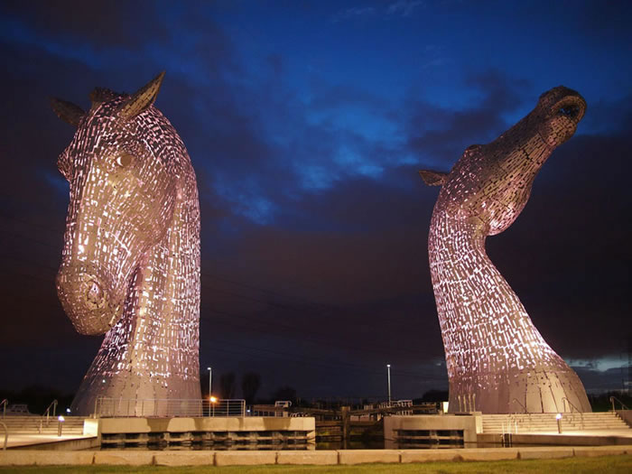 You'll Be Amazed By Scotland's New Giant Horse Head Sculptures 6