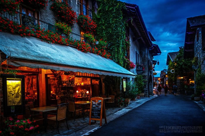 10 Picturesque Streets You Should Walk Down Before You Die 7