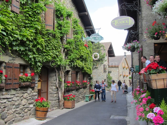10 Picturesque Streets You Should Walk Down Before You Die 8