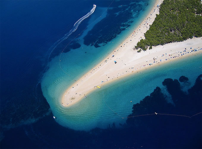 10 Weird And Wonderful Beaches You Must Visit Before You Die 3