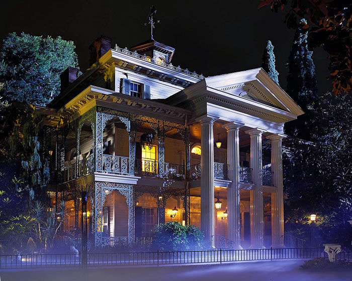 13 Things You Never Knew You Could Do At Disneyland 5