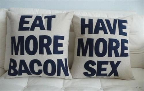 20 Crazy Pillows Ideas For A Hilarious Nights Slumber  (13)