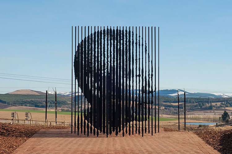 25 Of The Most Creative Sculptures From Around The World 12