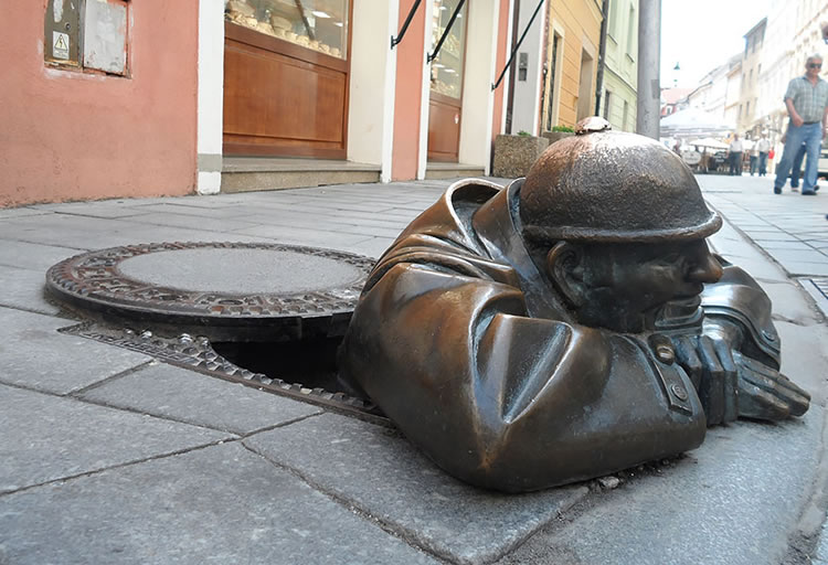 25 Of The Most Creative Sculptures From Around The World 19