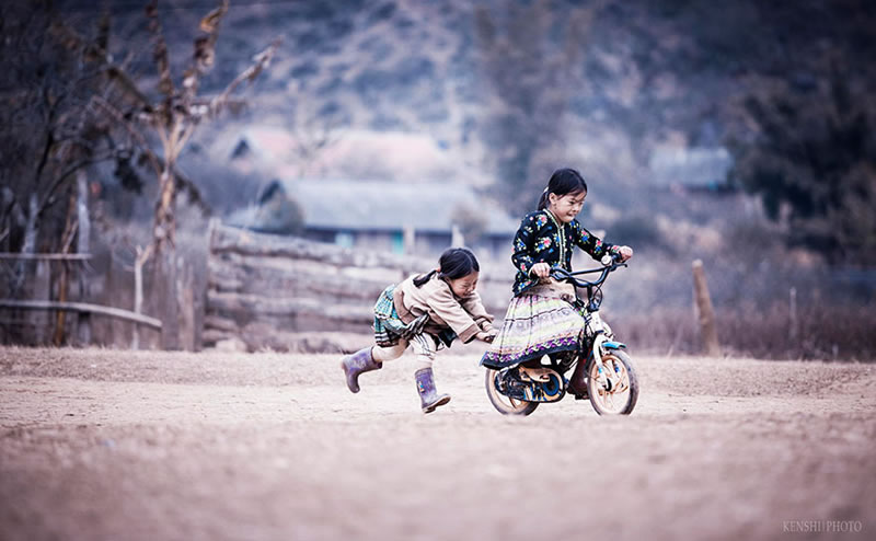 13 Beautiful Images Of Children Playing From Around The Globe
