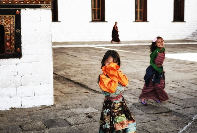 19 Beautiful Images Of Children Playing From Around The Globe