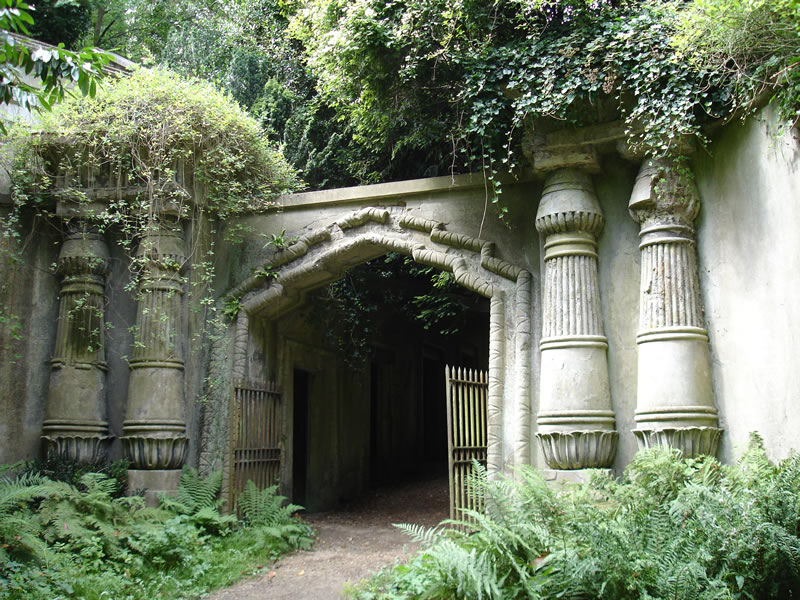 High Gate Cemetery Haunted Places