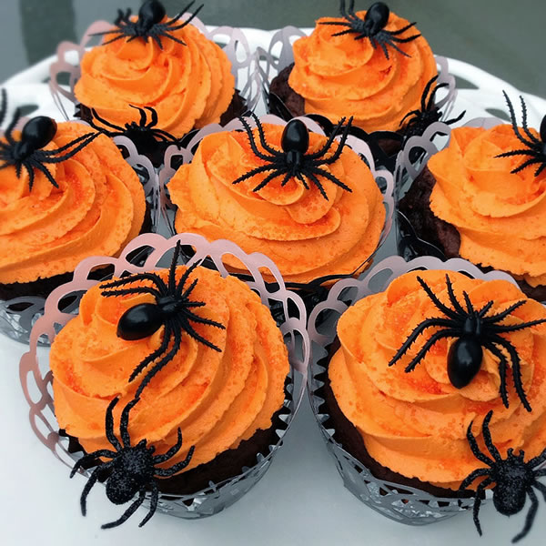 20 Fun And Creative Creepy Spider Cupcakes 11