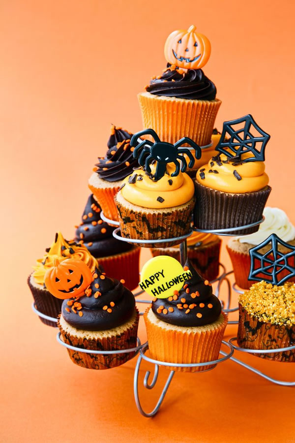 20 Fun And Creative  Halloween Cupcakes 15