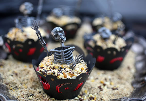 20 Fun And Creative  Halloween Cupcakes 17