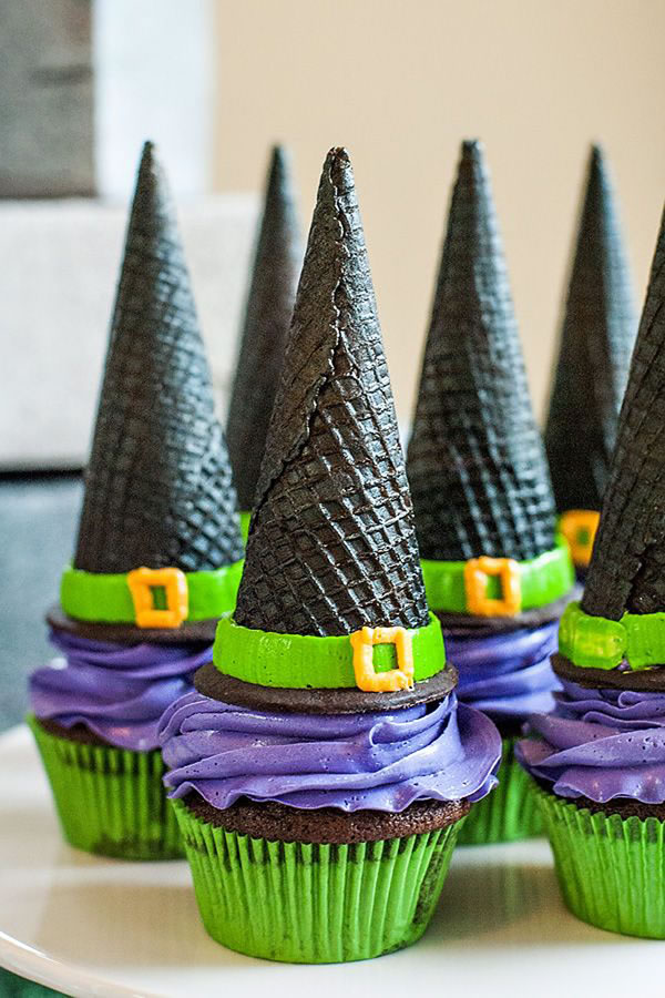 20 Fun And Creative  Halloween Cupcakes 2
