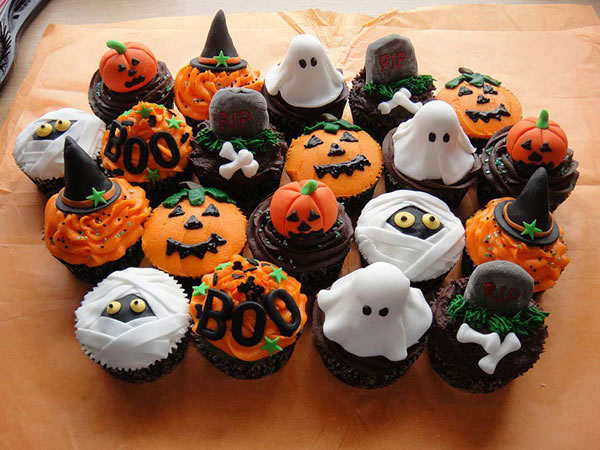 20 Fun And Creative  Halloween Cupcakes 3