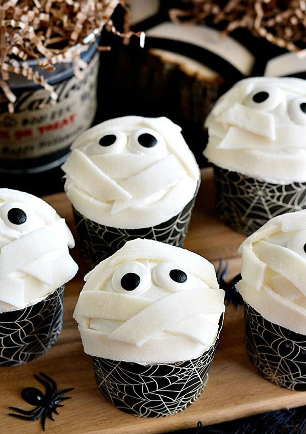 20 Fun And Creative  Halloween Cupcakes 6