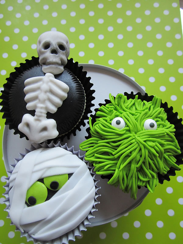 20 Fun And Creative  Halloween Cupcakes 7