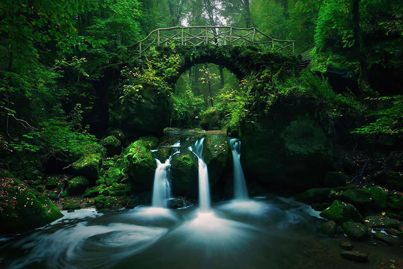 25 Amazing Mystical Bridges That Will Take Your Breath Away (10)