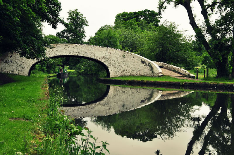 25 Amazing Mystical Bridges That Will Take Your Breath Away (17)