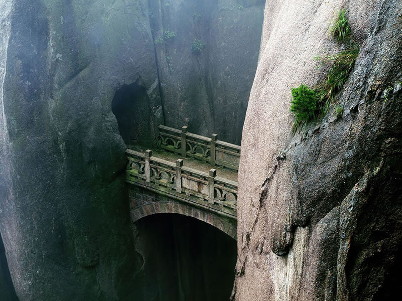 25 Amazing Mystical Bridges That Will Take Your Breath Away (6)