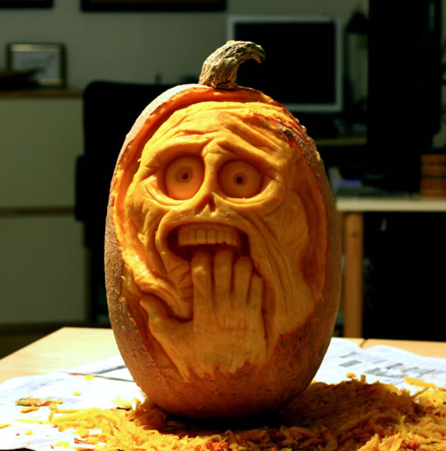 Amazing And Spooky Halloween Pumpkin Carvings (3)