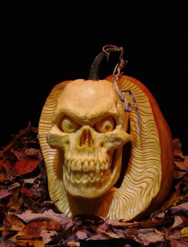Amazing And Spooky Halloween Pumpkin Carvings (6)
