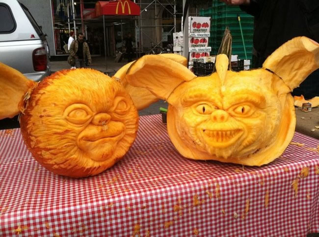 Amazing And Spooky Pumpkin Carvings (12)