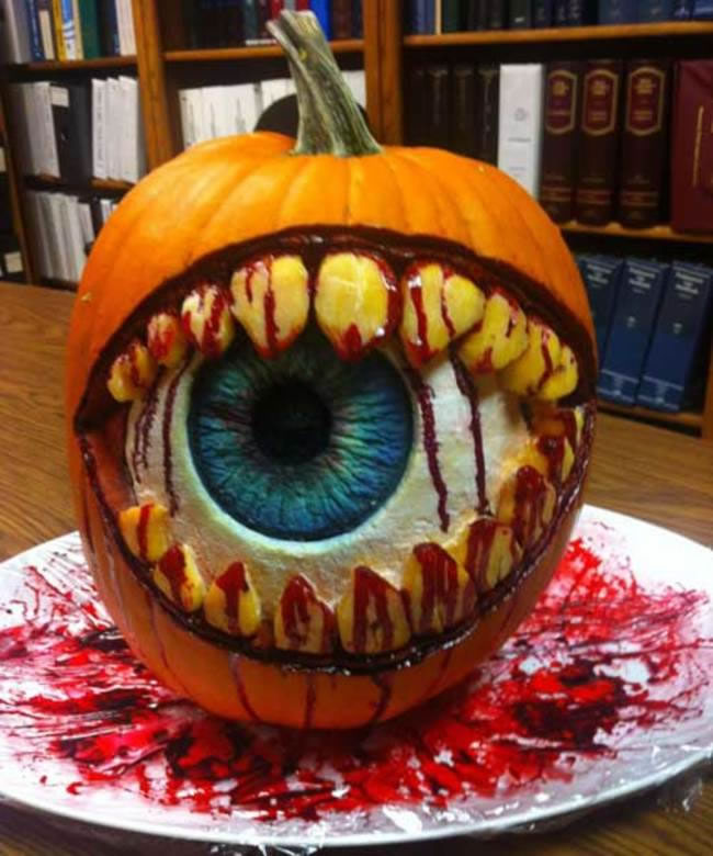 Amazing And Spooky Pumpkin Carvings (14)