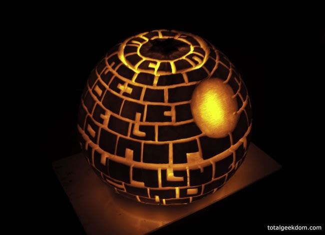Amazing And Spooky Pumpkin Carvings (16)