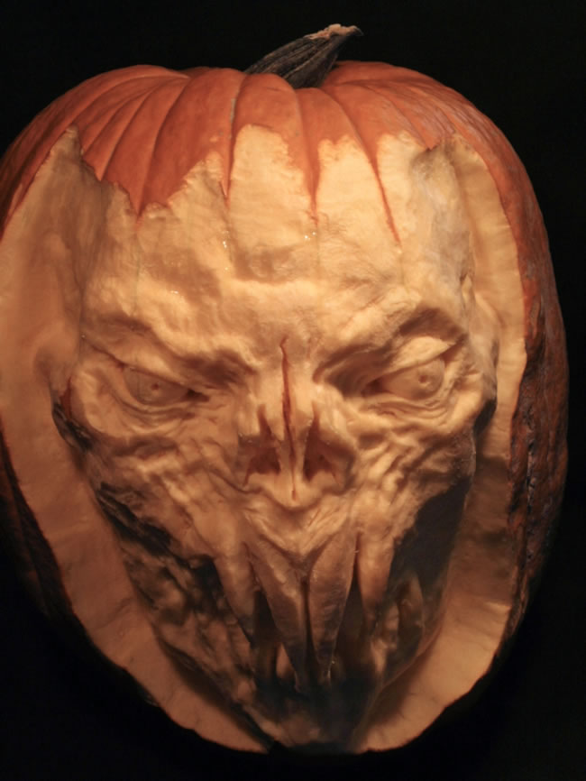 Amazing And Spooky Pumpkin Carvings (2)