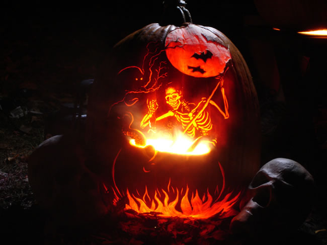 Amazing And Spooky Pumpkin Carvings (3)