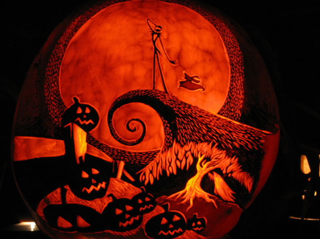 Amazing And Spooky Pumpkin Carvings (7)