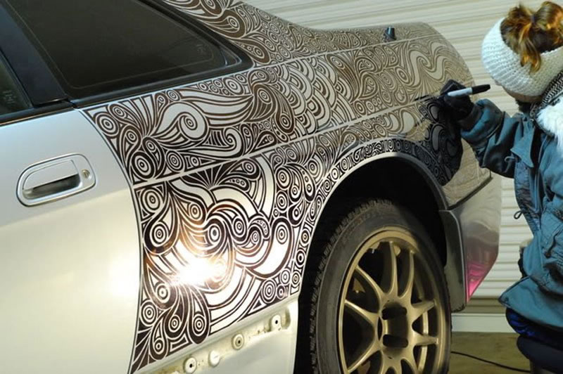 Artist Creates Amazing Car Custom Paint Job With Pen (4)