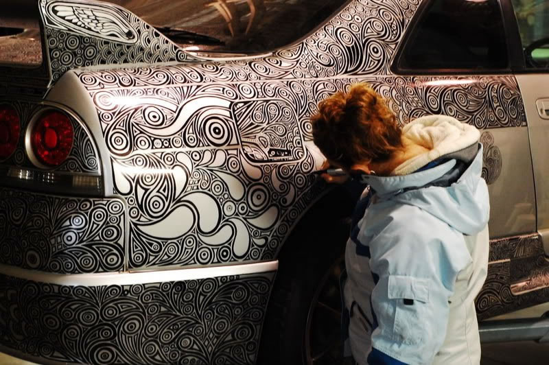 Artist Creates Amazing Car Custom Paint Job With Pen (5)