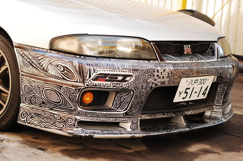 Artist Creates Amazing Custom Paint Job With Pen (1)