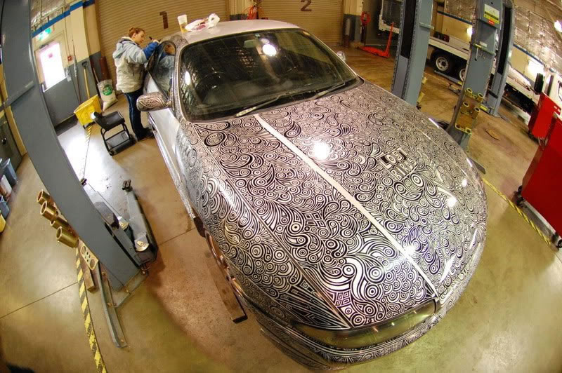 Artist Creates Amazing Custom Paint Job With Pen (4)