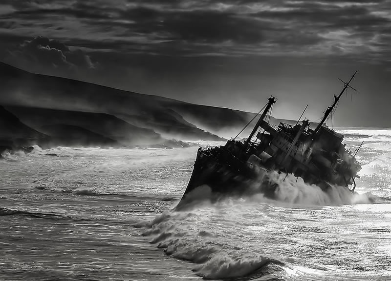 End Of The Line Ghostly Abandoned Ships Photos (5)