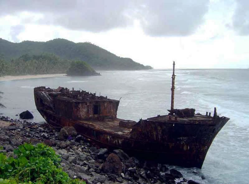 End Of The Line Ghostly Stranded Ships Photos (1)