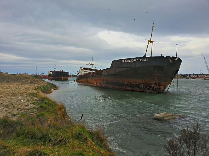 End Of The Line Ghostly Stranded Ships Photos (2)
