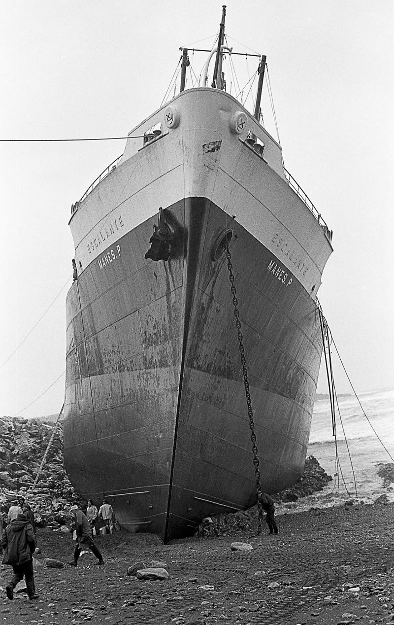 End Of The Line Ghostly Stranded Ships Photos (9)