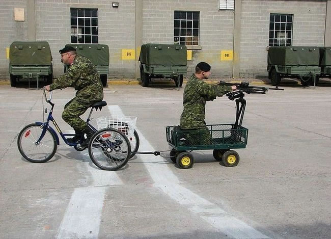 Funny Pictures - Military Day Off (2)