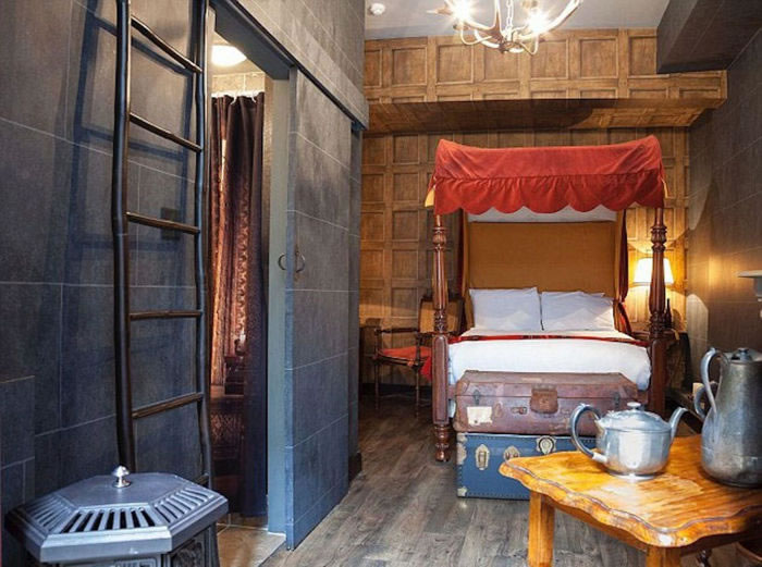 London Hotel Lets You Spend A Night At Hogwarts School 1