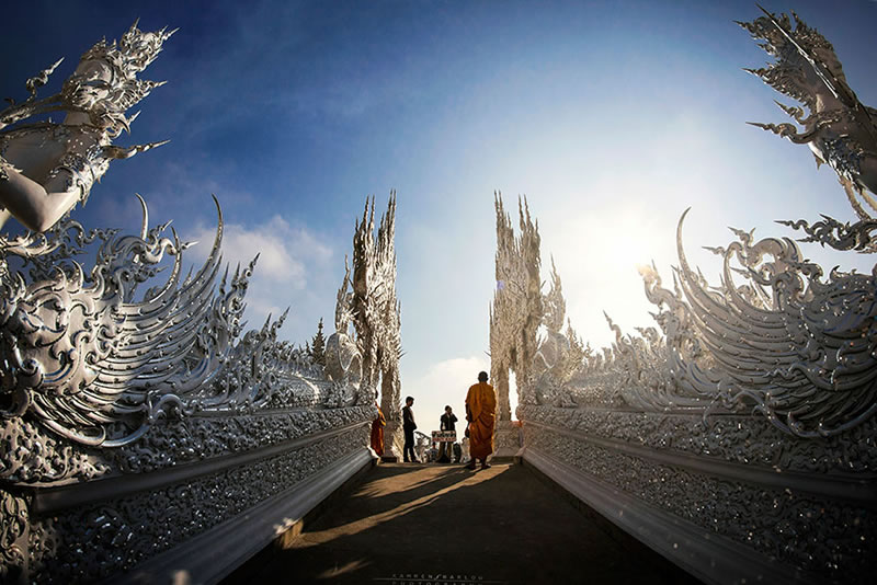 Wat Rong Khun - The Temple That Came Down From Heaven (1)