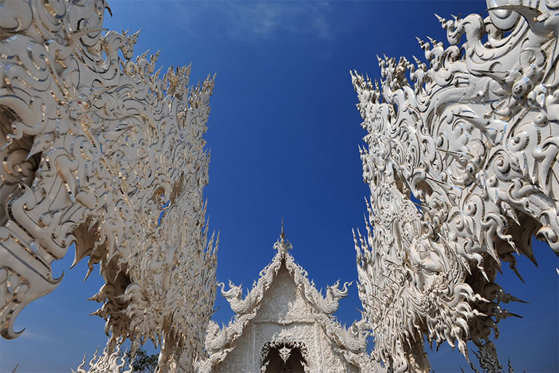 Wat Rong Khun - The Temple That Came Down From Heaven (2)