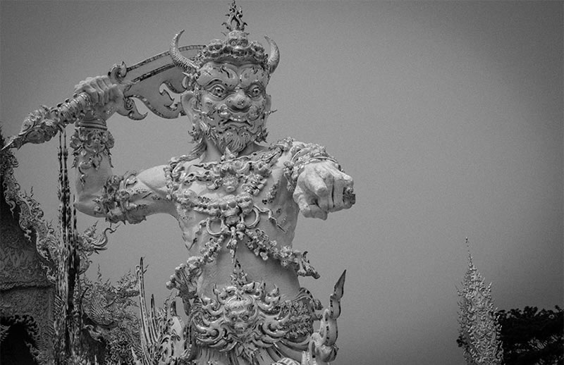 Wat Rong Khun - The Temple That Came Down From Heaven (4)