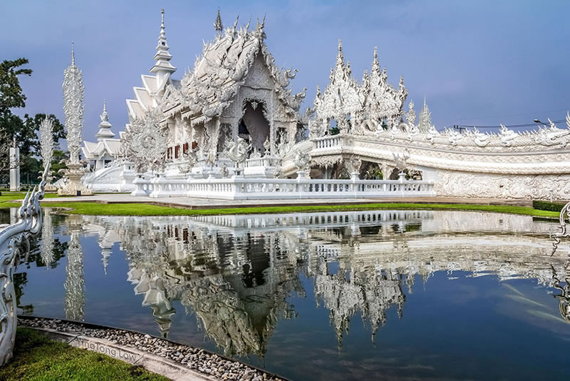 Wat Rong Khun - The Temple That Came Down From Heaven (5)