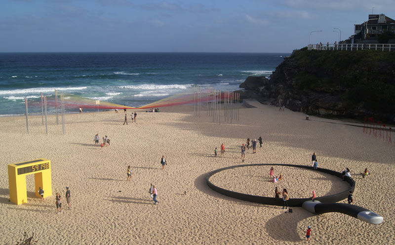 Giant Abstract Sculptures Take Over Bondi Beach (2)