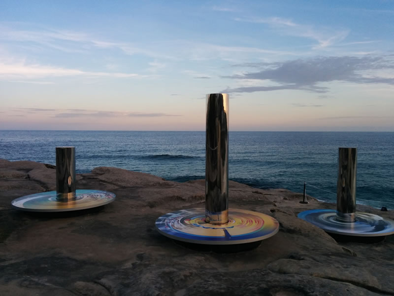 Giant Abstract Sculptures Take Over Bondi Beach (4)