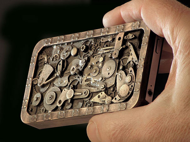 15 Of The Coolest Mobile Phone Cases On The Planet (4)