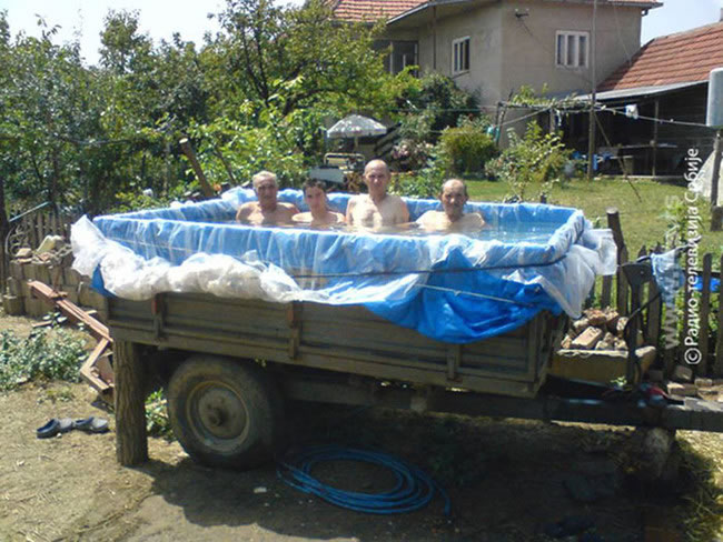20 Of The Best Temporary Custom Pool Designs In The World 13